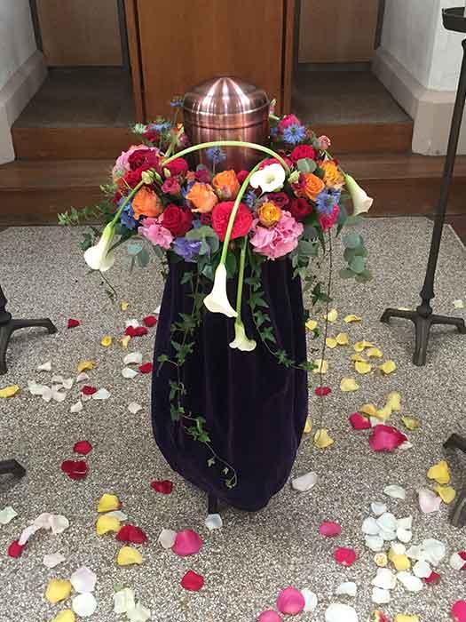 Urnengesteck Blumen